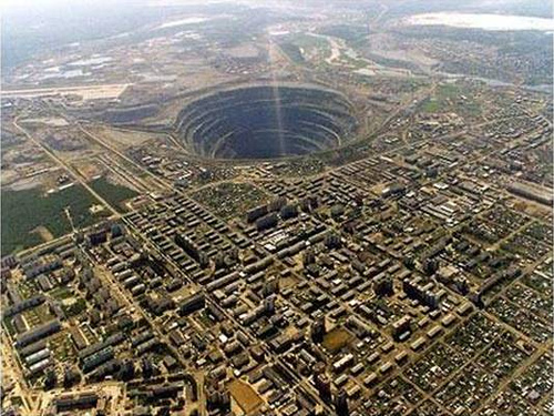 mirny-diamond-mine-11