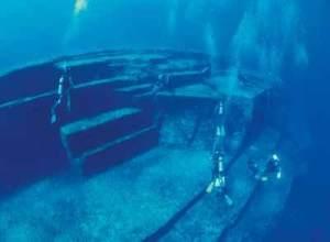 under-water-pyramid