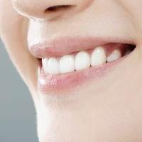 Gigi Bersih Bisa Mencegah Penuaan Dini