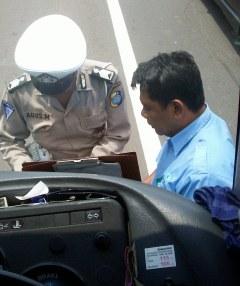 Tips Gokil Anti Tilang Polisi