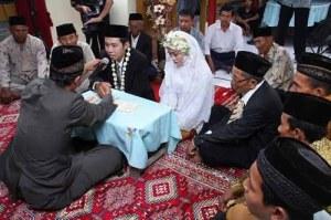 akad-nikah-erva-kurniawan-titik-rahayuningsih (1)