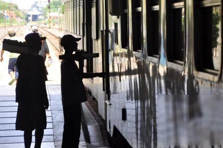 pedagang kereta api