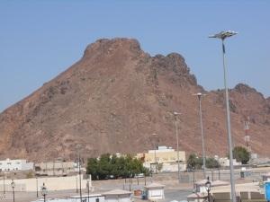 gunung uhud